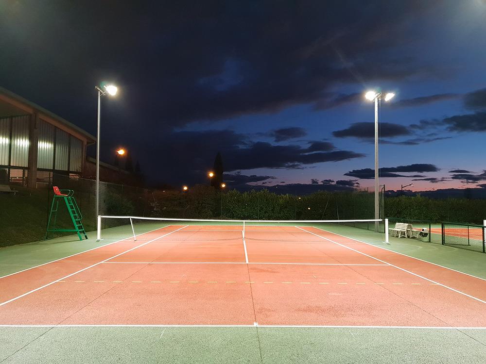 projecteurs led court tennis extérieur TC Irigny
