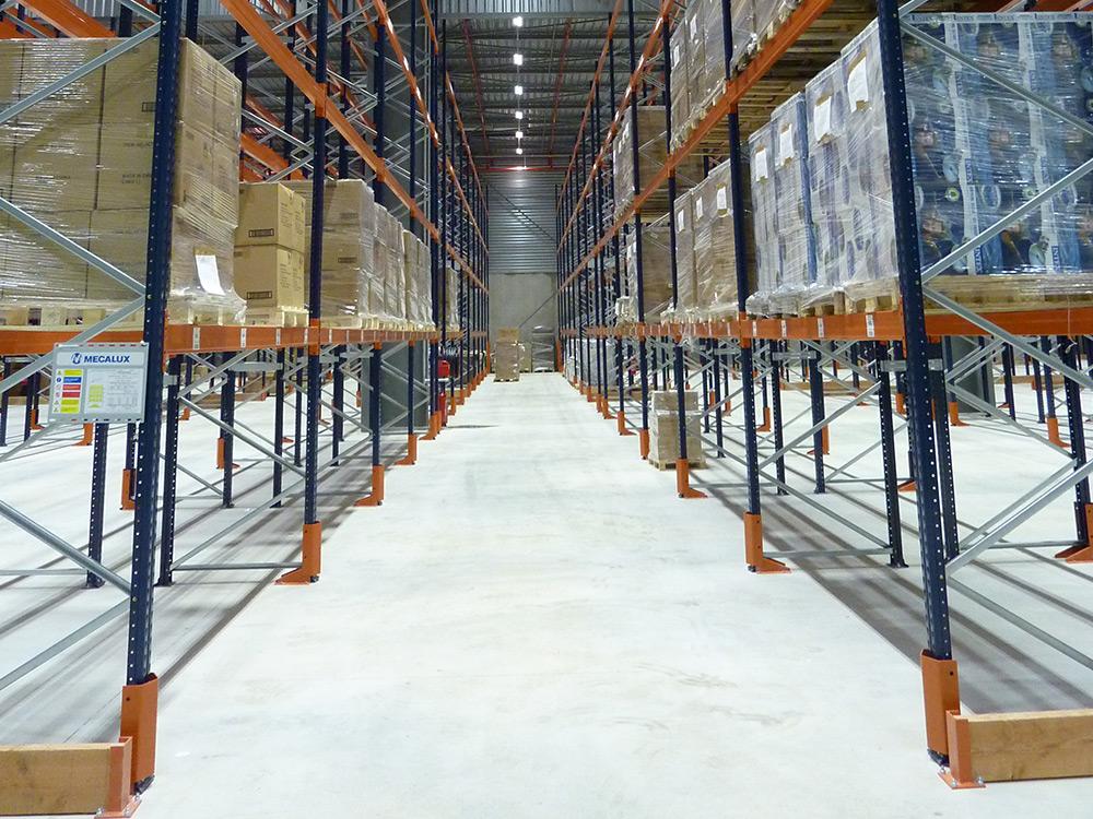 éclairage led zone de stockage industrie