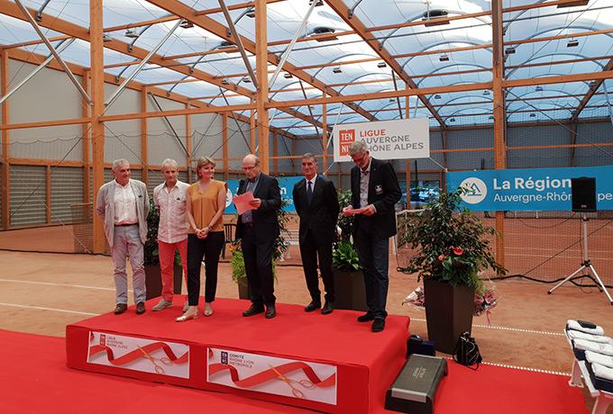 éclairage led développement durable court tennis couvert
