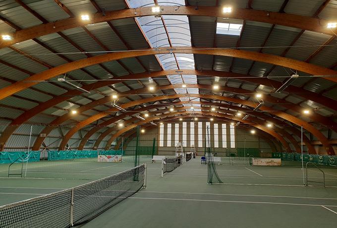 éclairage led développement durable salle de tennis