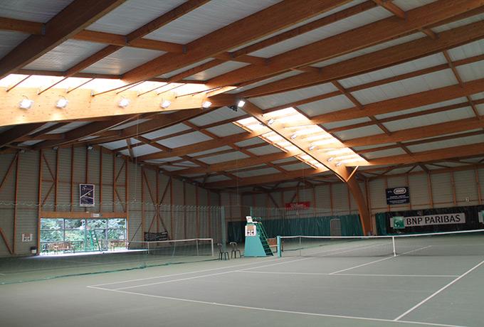 projecteur led développement durable tennis couvert