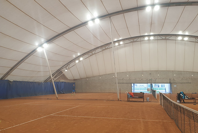 luminaires led économie énergie court tennis terre battue