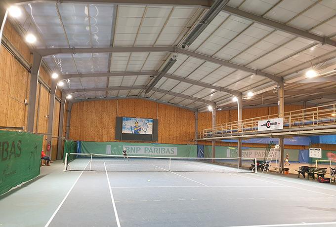 éclairage led économie énergie court tennis couvert
